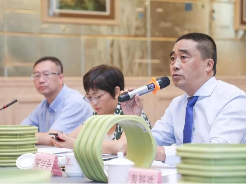 中国工程建设标准化协会标准《高密度聚乙烯多菱金纤管材》审查会